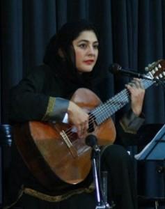 IMG 76861 237x300 گفت وگو با ليلي افشار:موسيقي ايراني؛ حسي دروني